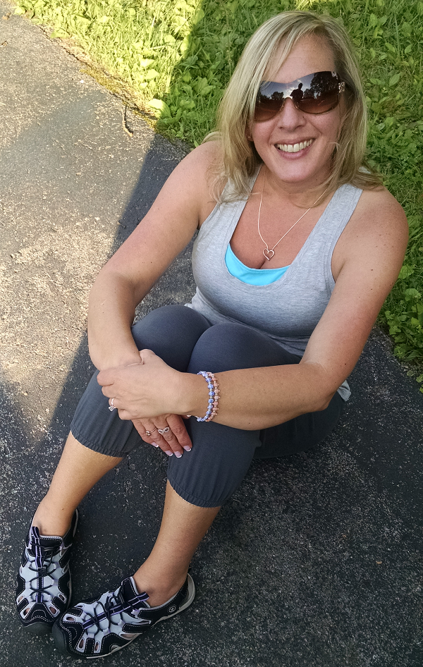 Fabletics Review - Athletic Wear You'll LOVE!
