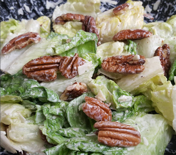 LCHF Caesar Salad with Pecan Halves instead of Croutons