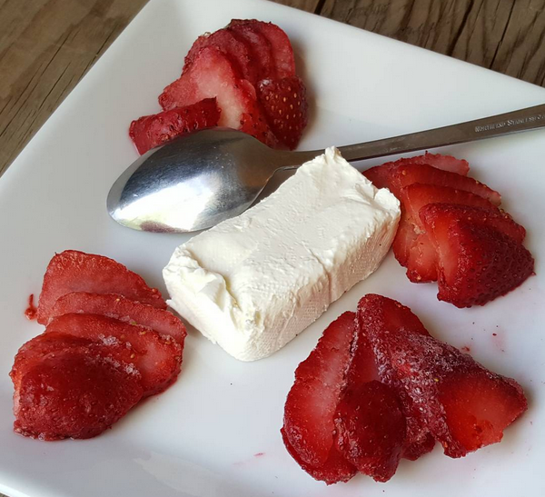 Simple Low Carb Dessert : Cream Cheese & Frozen Strawberry Slices
