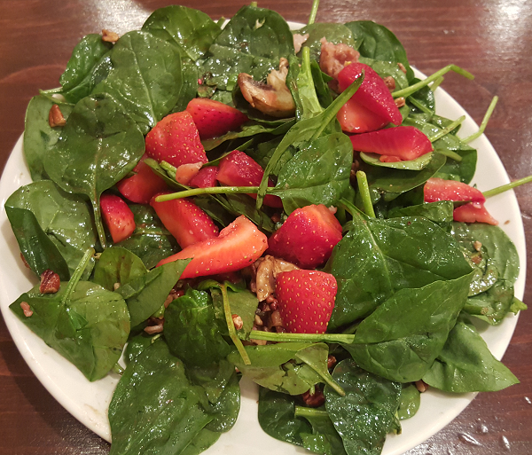 Spinach Strawberry Low Carb Salad