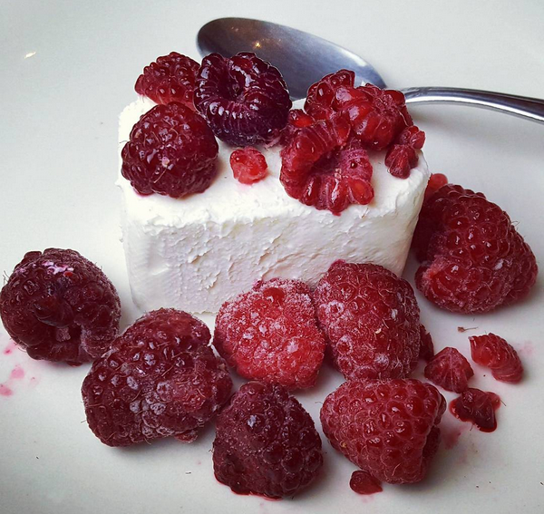 Healthy Low Carb Dessert - Cream Cheese & Raspberries