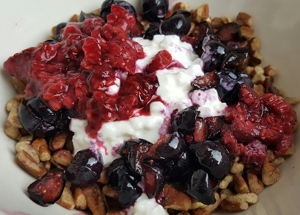 Healthy Low Carb Treat - Nuts & Berries