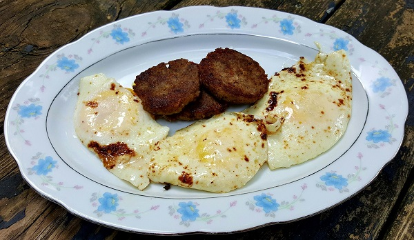 Sausage & Fried Eggs - An Easy Low Carb Meal