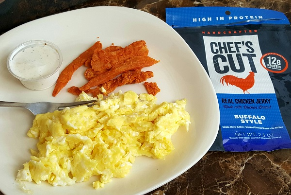 Easy Low Carb Lunch - Buffalo Style Chicken Jerky with Scrambled Eggs