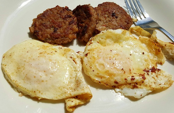 Sausage and Fried Eggs - Zero Carb Meal (.8 carbs for 2 eggs)
