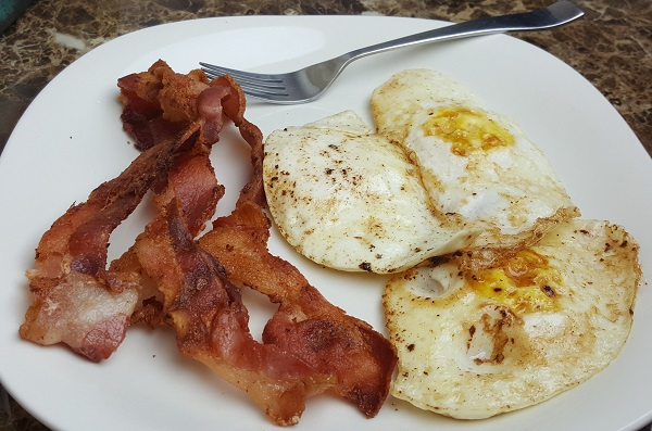 Bacon and Eggs - Easy One Skillet Meal