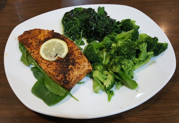 Healthy Low Carb Restaurant Meal: Blackened Salmon, Spinach and Broccoli