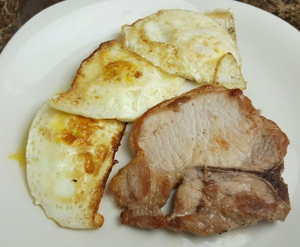 Zero Carb Breakfast : Pork Chop and Fried Eggs