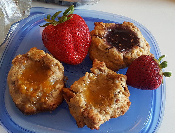 LCHF Cookies for Breakfast - Eating Low Carb On The Go