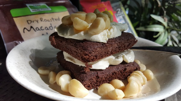 Low Carb Dessert - Organic Chocolate Cakes with cream cheese & macadamia nuts