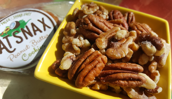 LCHF Cookies & Nuts
