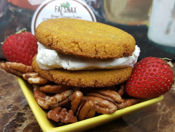 Low Carb Cookie Sandwich - Low Carb Snack Ideas