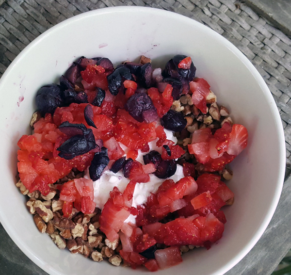 Pecans & Berries, Delicious Whole Foods Low Carb Meal