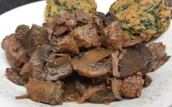 Easy Low Carb Meal - Beef Tips and Mushrooms in the Slow Cooker