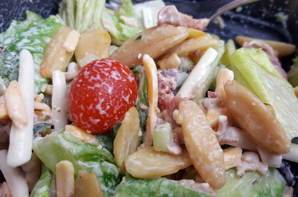 LCHF Salad with Pili Nuts (Low Carb Vegetarian)