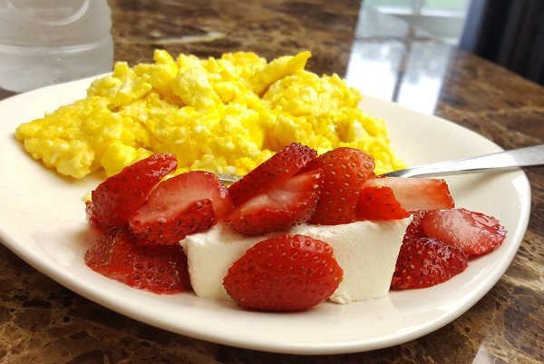 Simple LCHF Breakfast - Whole Foods, Low Carb, Gluten Free