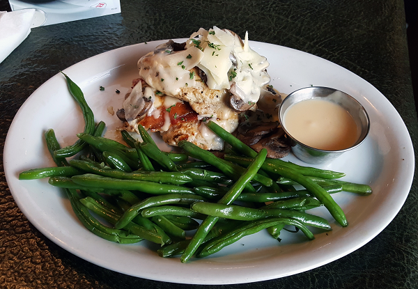 Low Carb Dinner at Ruby Tuesday - Double Decker Chicken with Double Green Beans