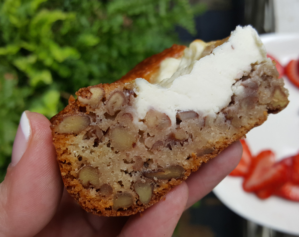 Low Carb Dessert: LCHF Blondies with Cream Cheese and Pecans