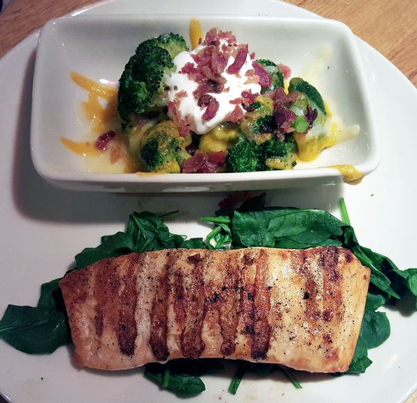 Applebee's Low Carb Dinner - Grilled Salmon, Steamed Spinach and Loaded Broccoli