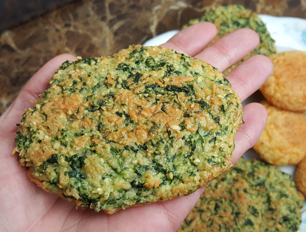 Low Carb Spinach Biscuits - Gluten Free Bread Recipes that are Keto Friendly