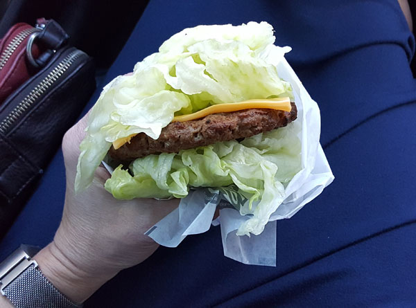 Low Carb Fast Food : Lettuce Wrapped Cheeseburger from Hardee's