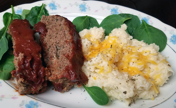 Low Carb Dinners - Comfort Foods: Keto Meatloaf and Mashed Cauliflower